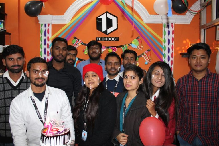 guests-techdost-birthday-party-celebration-software-company-office-meerut-delhi-ncr (5)