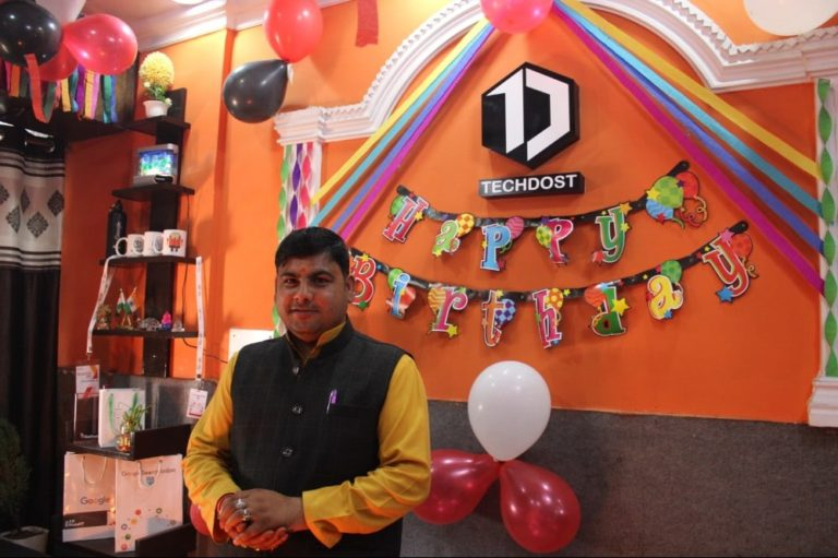 techdost-birthday-guest-company-office-celebration-meerut-delhi-ncr (6)