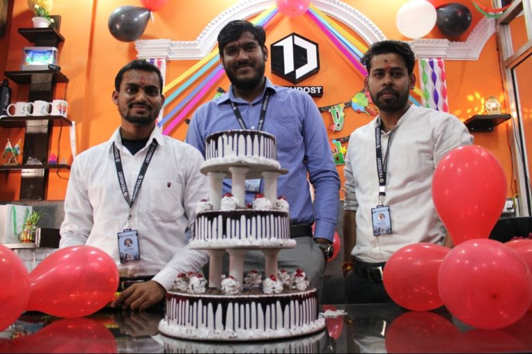 techdost-team-birthday-party-celebration-website-design-company-office-delhi-ncr-meerut (4)